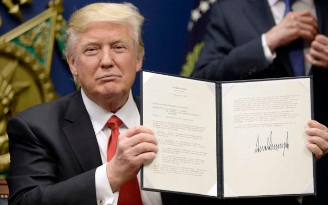 Suprema Corte respalda prohibición de Trump a viajeros musulmanes