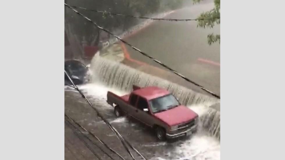 #Video Presa se desborda e inunda calles de la ciudad de Guanajuato - Foto de @vialhermes