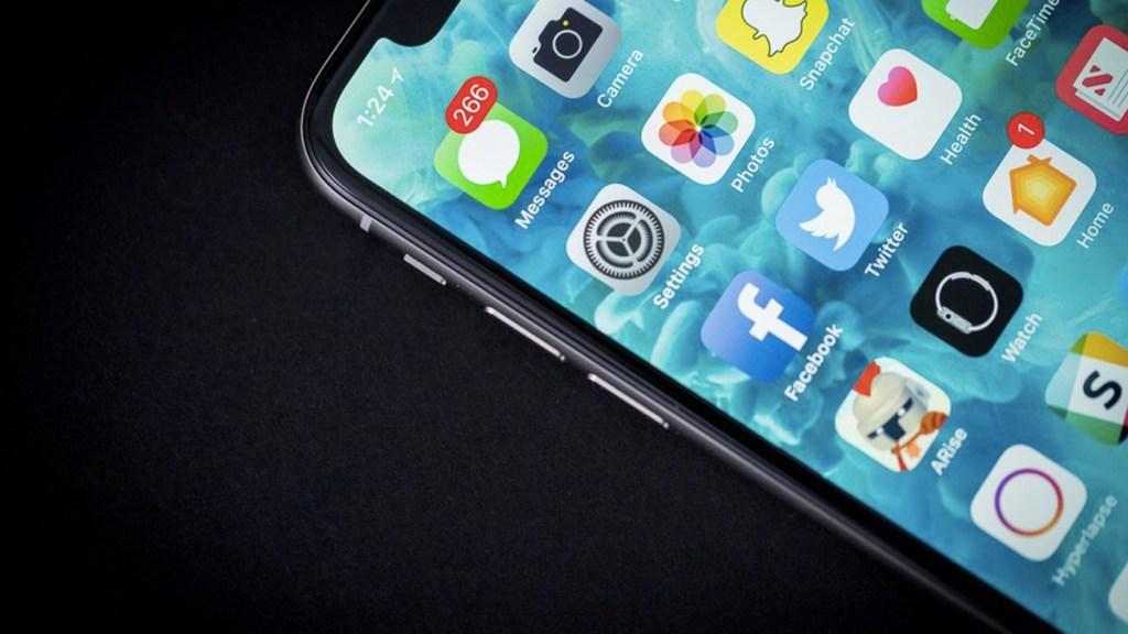 #Video Joven controla su iPhone solo con los ojos - Foto de Mashable
