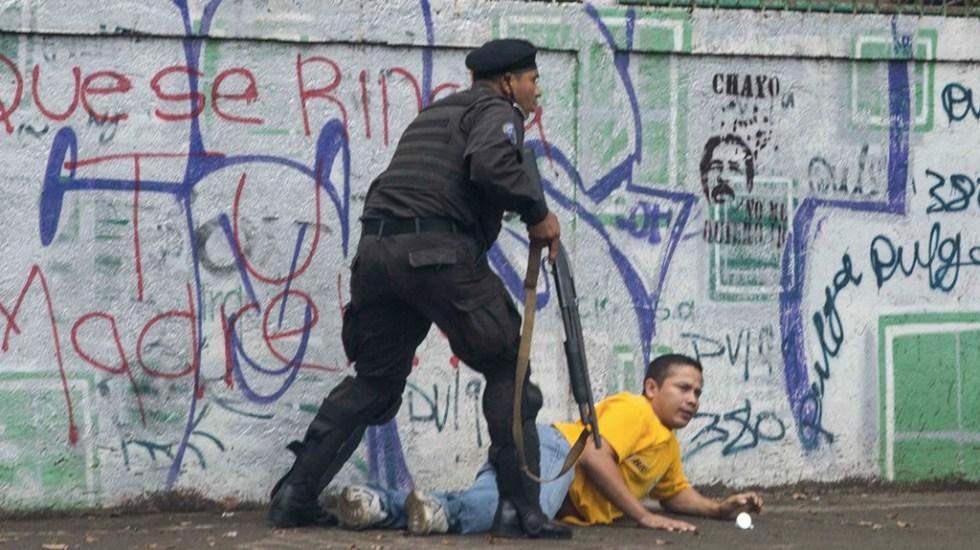 Policías irrumpen en viviendas para capturar a opositores de Daniel Ortega - Foto de EFE