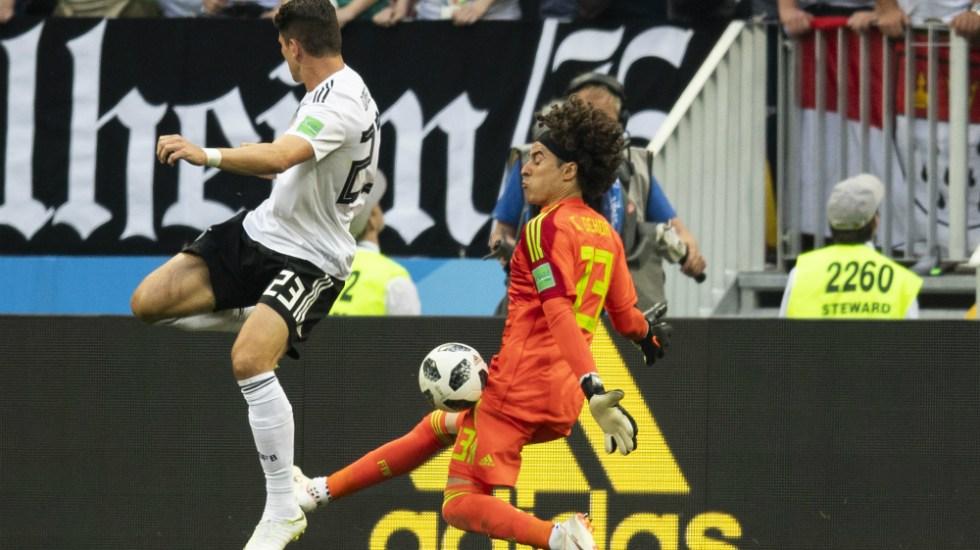 Es Ochoa el máximo atajador del Mundial 2018 - Foto de Mexsport