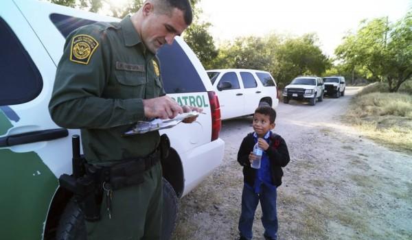 ONU llama a EE.UU. a no separar niños de sus padres inmigrantes - Foto de internet
