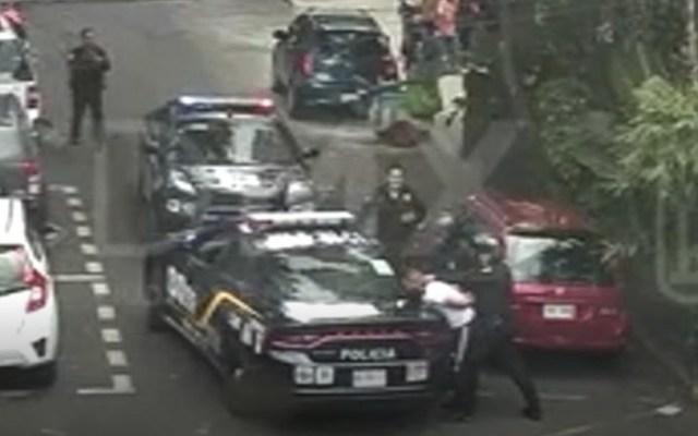 #Video Detienen a ladrones tras asaltar a cuentahabiente - Foto de Internet