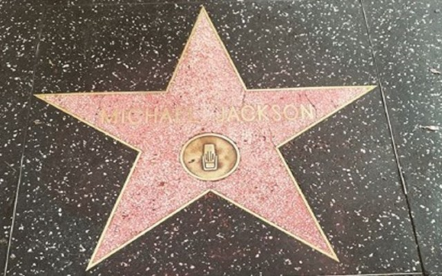 Vandalizan estrella de Michael Jackson en Hollywood - Foto de Paris Jackson