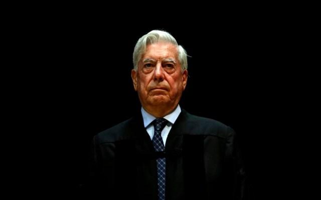 Se ha establecido una dictadura totalitaria en Venezuela: Vargas Llosa - Foto de AP
