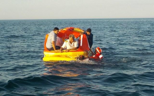 #Video Se desploma aeronave de candidato en mar de Baja California Sur - Foto de @raul_flowers
