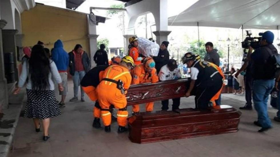Aumentan a 99 los muertos tras erupción en Guatemala - Foto de Prensa Libre