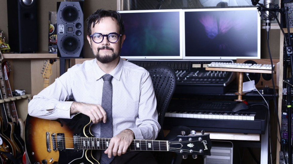 La música y el arte necesitan desafiarnos como artistas y retar al público: Aleks Syntek