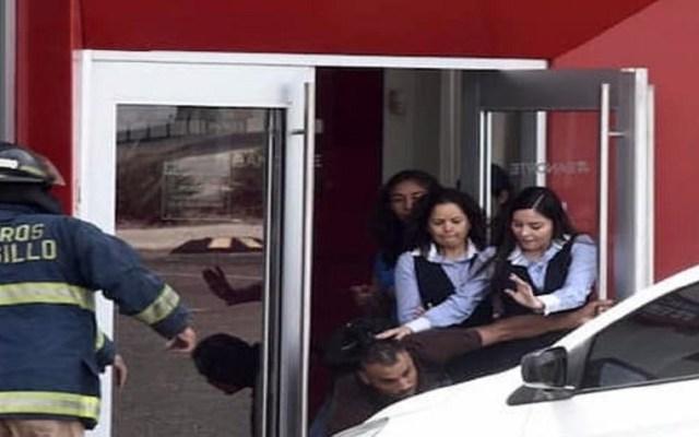 Asaltante de banco que tomó rehenes pretendía suicidarse - Foto de El Mitotero