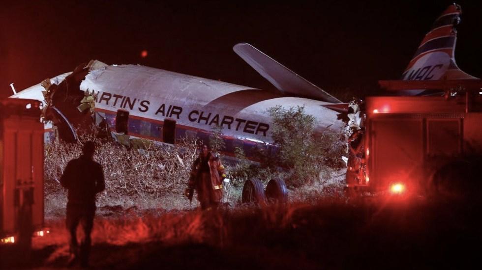 #Video Pasajero capta el momento en que cae su avión en Sudáfrica - Foto de AFP