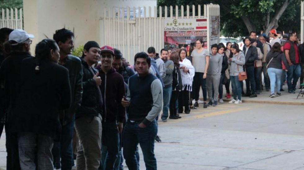 Largas filas y retrasos en apertura de casillas electorales