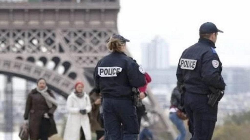El mandatario francés viajará a Rusia
