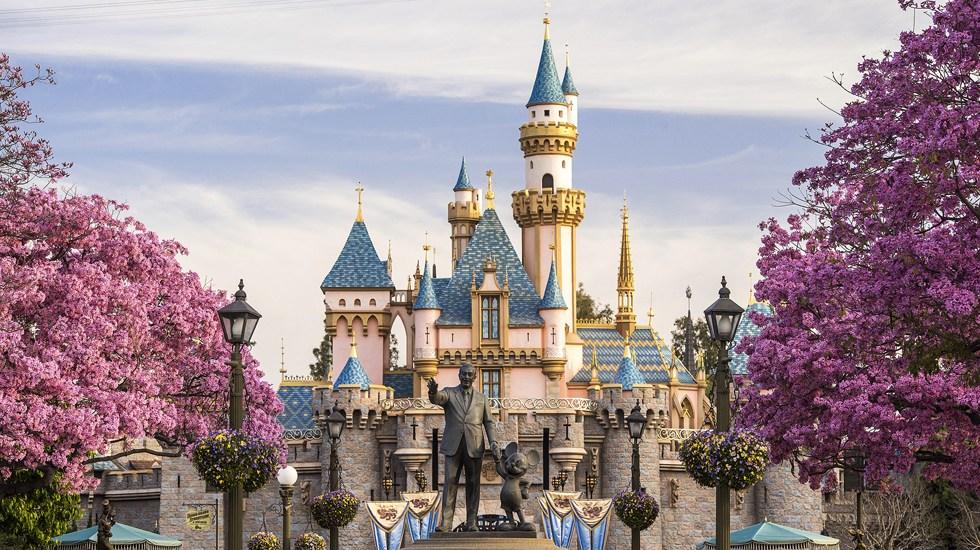 Disney reabre dos parques en Florida pese al creciente número de contagios por COVID-19 - Disneyland