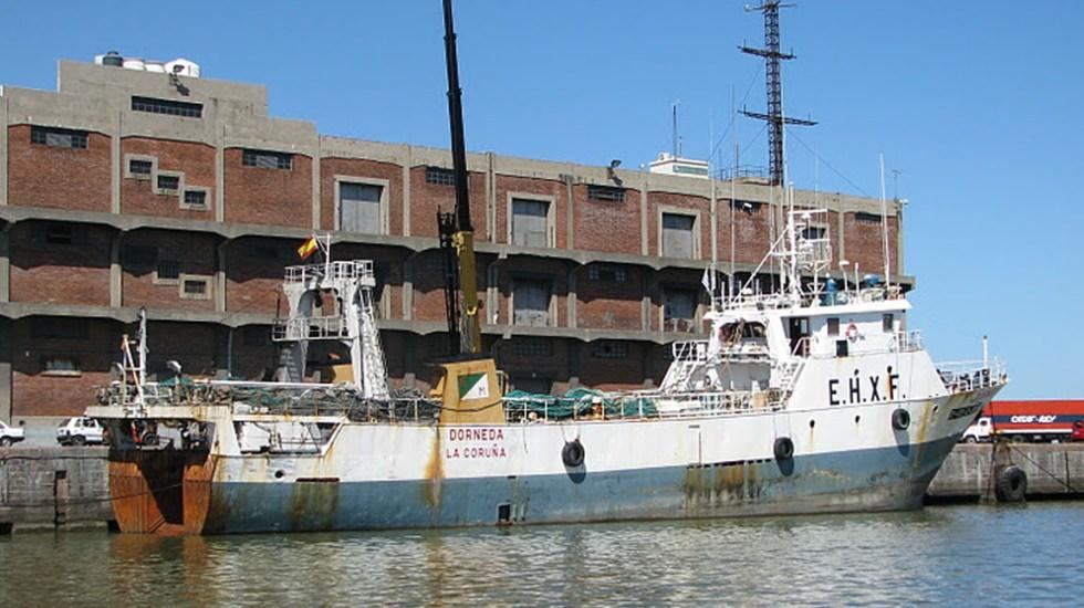 Un muerto, un desaparecido y 25 rescatados en naufragio del Dorneda