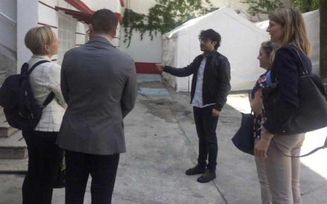 Personal de embajada canadiense visita oficinas de AMLO - Foto de @Notimex