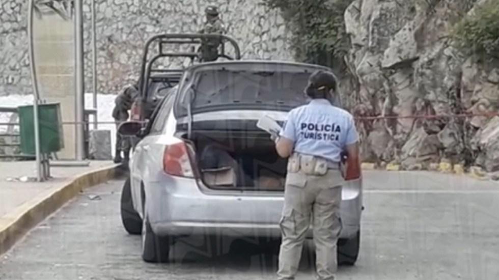 Hallan cuerpo en vehículo abandonado en Acapulco - Foto de Novedades Acapulco
