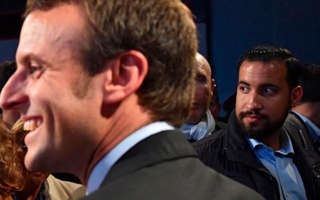 Detienen a guardaespaldas de Macron por golpear a manifestantes - Foto de JEAN-FRANCOIS MONIER / AFP