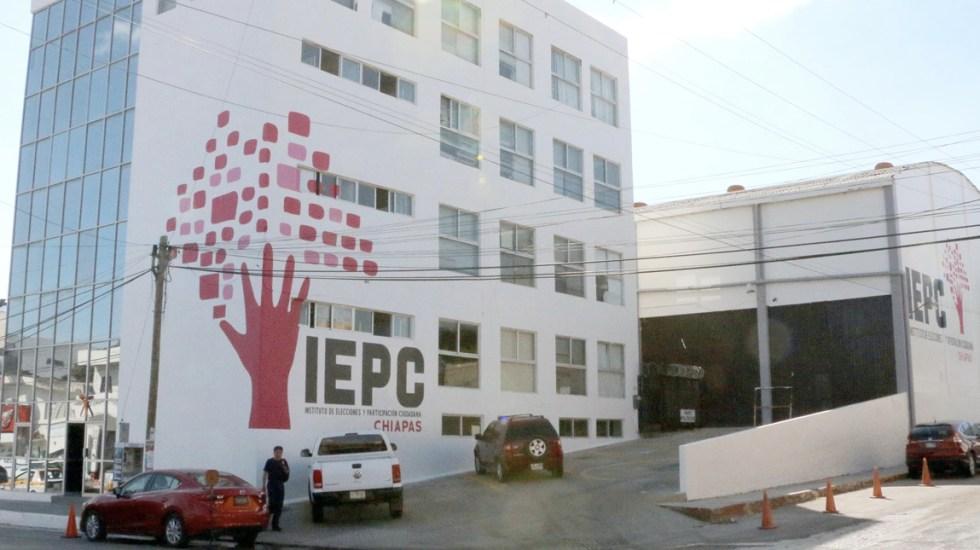 Lanzan gas lacrimógeno a sede del IEPC de Chiapas - Foto de IEPC