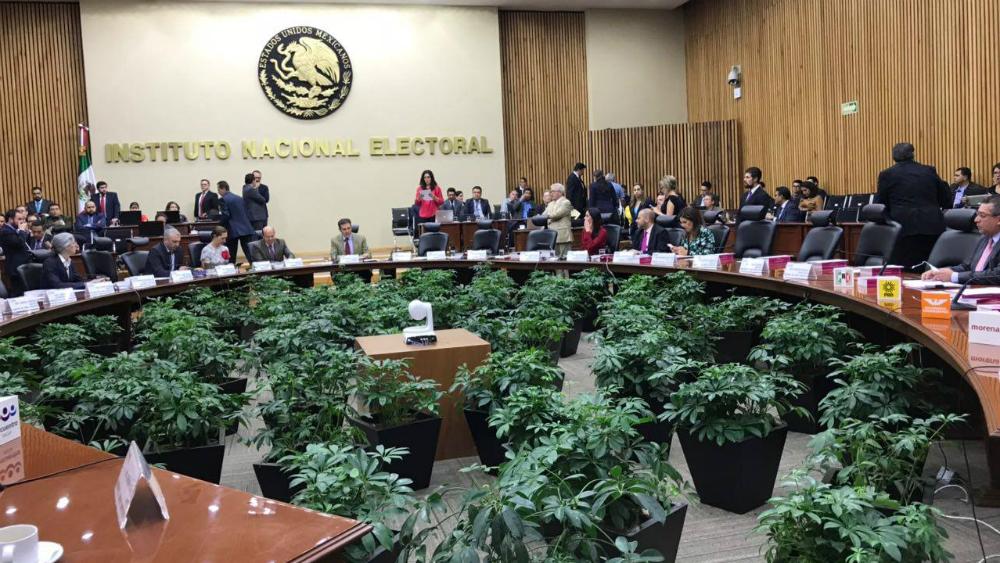 Partidos que pierdan registro tendrán que pagar honorarios de interventores - Foto de INE