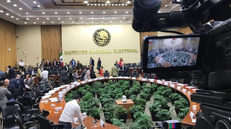 Sanciona INE a partidos políticos con 327.2 mdp - Foto de INE