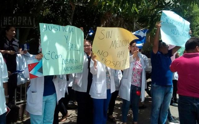 Despiden a médicos por apoyar a heridos por protestas en Nicaragua - Foto de @LuciaPinedaU