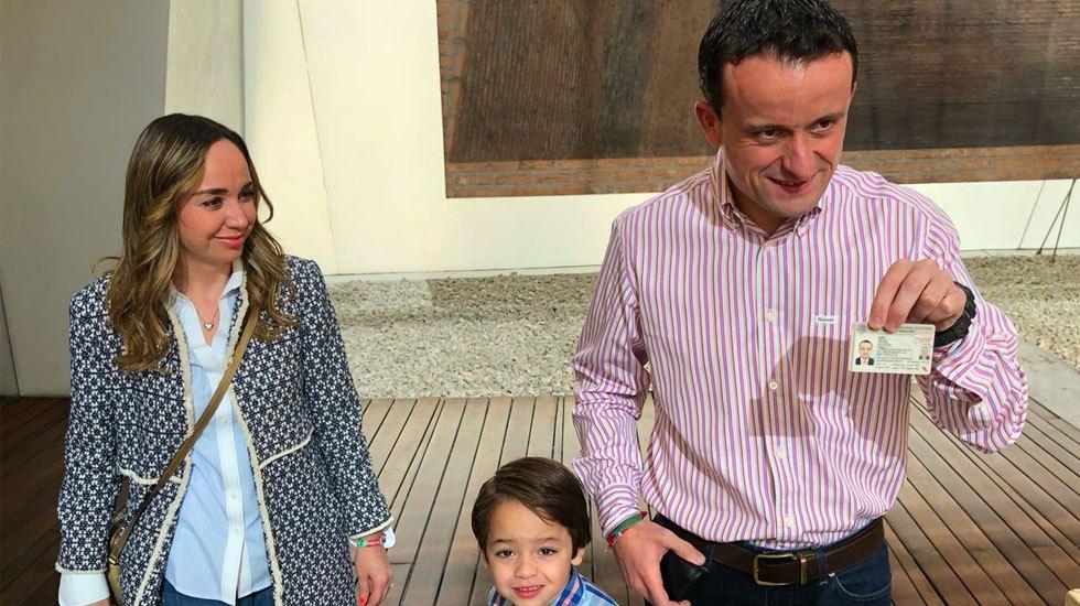 Mikel Arriola vota en Miguel Hidalgo - Foto de Mikel Arriola
