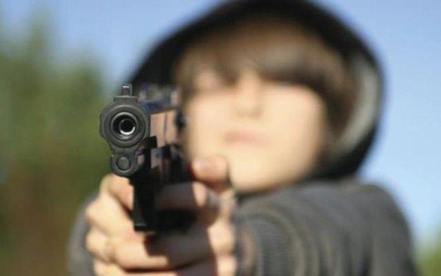 Niño de cuatro años mata a su prima de dos con una pistola