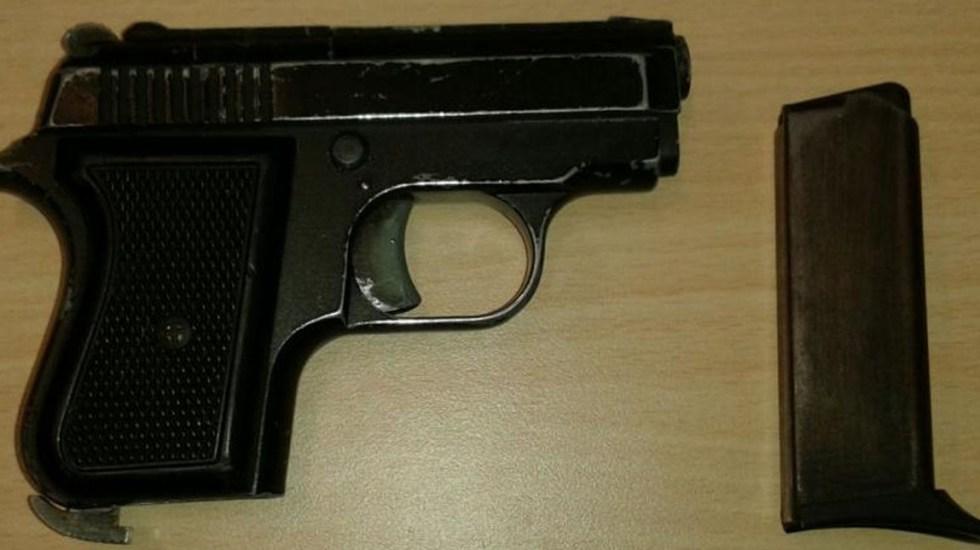 Niño de 4 años se dispara con la pistola de su madre en EE.UU