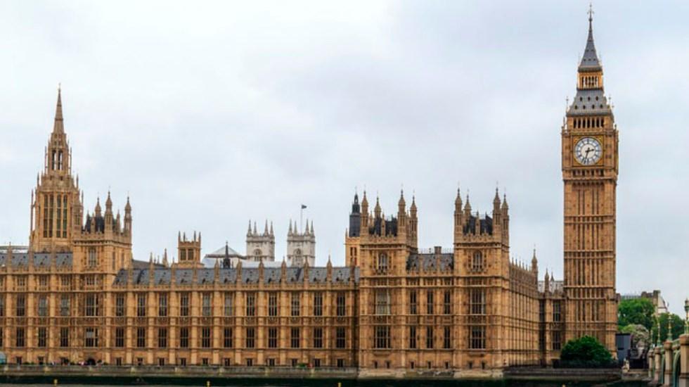 Parlamento británico propone impuesto contra 'fake news' - Foto de internet