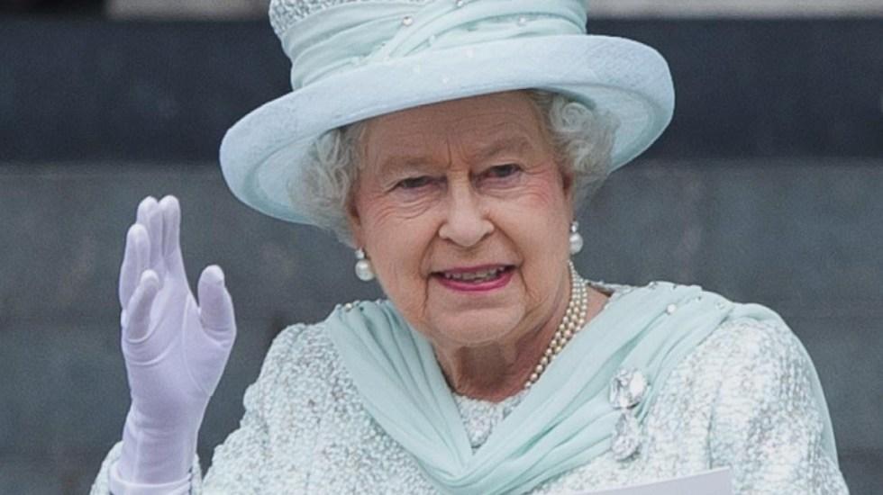 Isabel II no asistió a bautizo del príncipe Louis