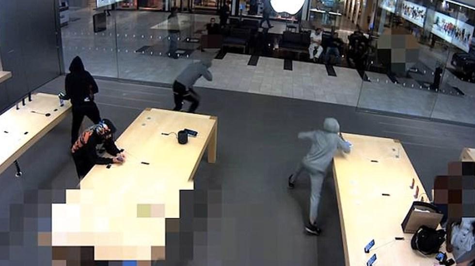 #Video Roban 21 iPhone en Apple Store de Nueva York - Foto de Internet