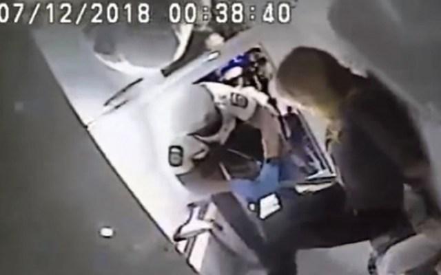 #Video Así arrestaron a Stormy Daniels en Ohio - Captura de pantalla