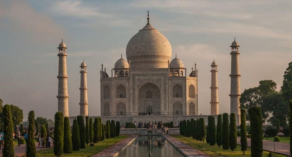 Corte de India planea demoler el Taj Mahal por contaminación