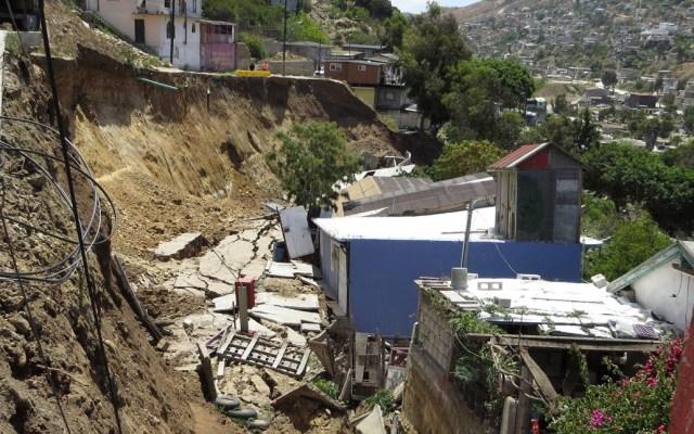 Suman 23 viviendas colapsadas en Tijuana por derrumbes