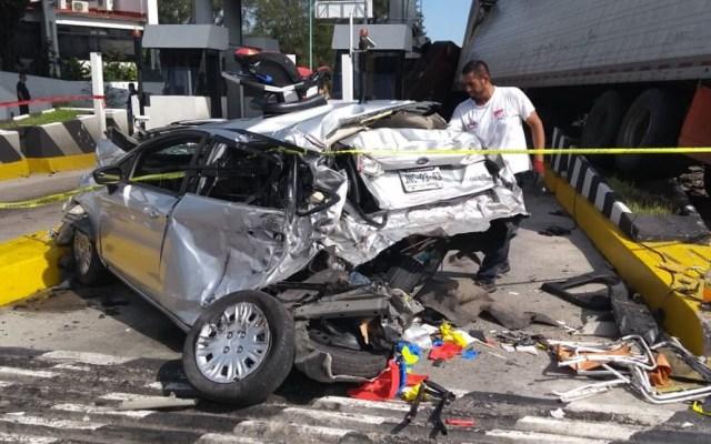 Accidente en caseta de cobro Guadalajara-Tepic deja una persona muerta