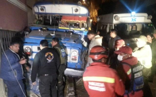 Mueren siete bailarines en accidente vial en Bolivia - Foto de @santanahans