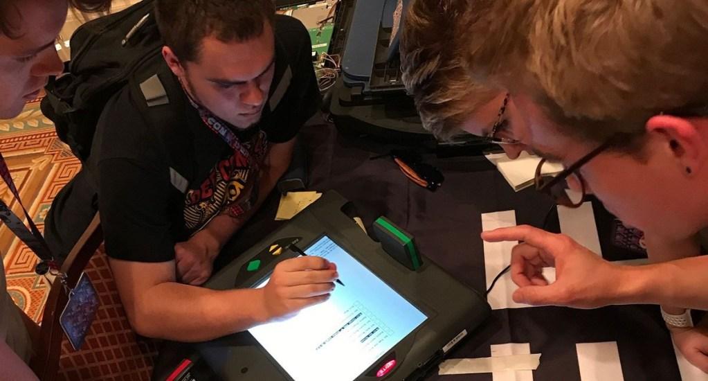 Alertan inseguridad del sistema electoral de EE.UU. tras hackeo de niño - Foto de internet