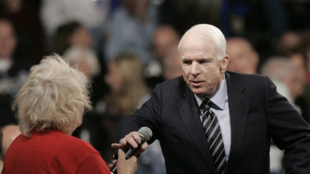 #Video El momento en el que McCain defendió a Obama - Foto de internet
