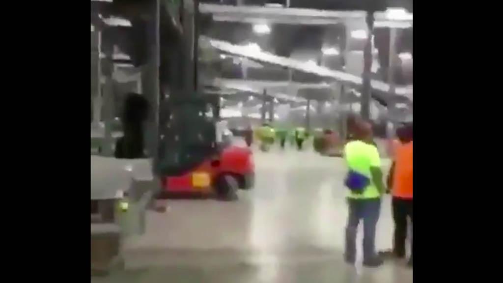En EU, mexicanos se solidarizan con compañero despedido y abandonan el trabajo