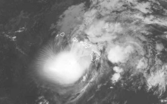 Huracán Lane golpea Hawaii y miles buscan refugio en albergues - Foto de AFP