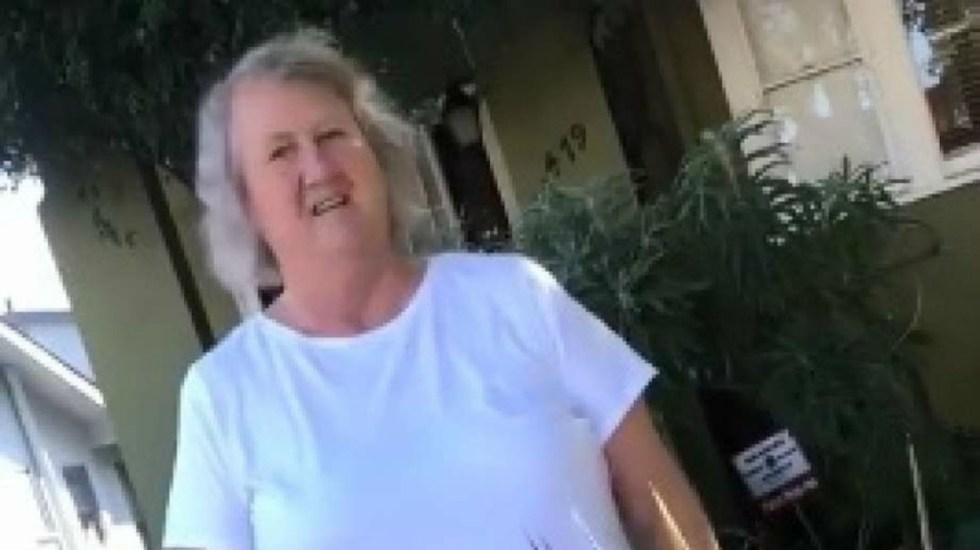 #Video Psicóloga de California amenaza a grupo por hablar español