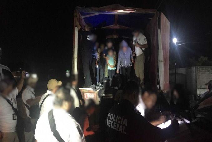 Rescatan a 150 migrantes en Tabasco - Foto de Policía Federal