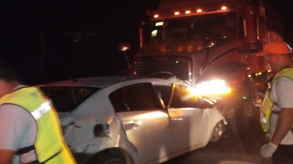 Mueren seis ocupantes de auto al chocar contra tráiler en Guerrero - Foto de Vocero Roberto Álvarez Heredia