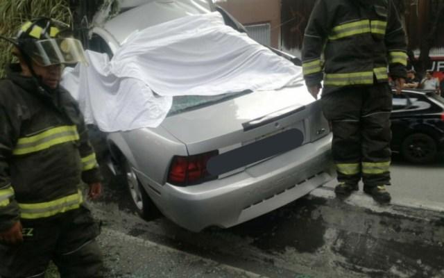 Choque de Mustang en Periférico deja dos muertos - Foto de @HCBCDMX