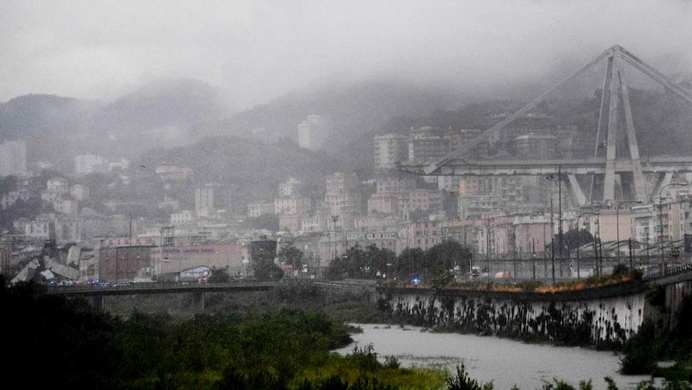 Derrumbe de un viaducto en Génova deja varios muertos y heridos