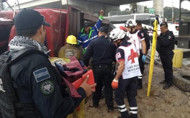 Accidente en la México-Toluca deja dos mujeres muertas - Foto de @vialhermes