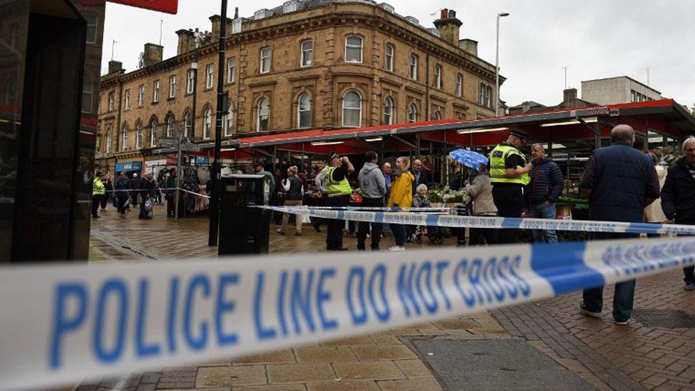 Detienen a mujer que atacó con cuchillo a hombre en Reino Unido - Foto de Oli SCARFF / AFP