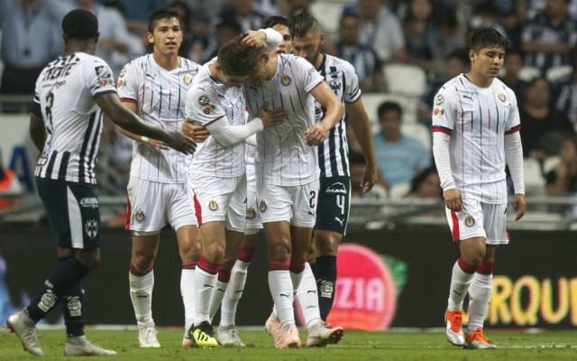 Chivas golea a Rayados en Monterrey - Foto de AFP