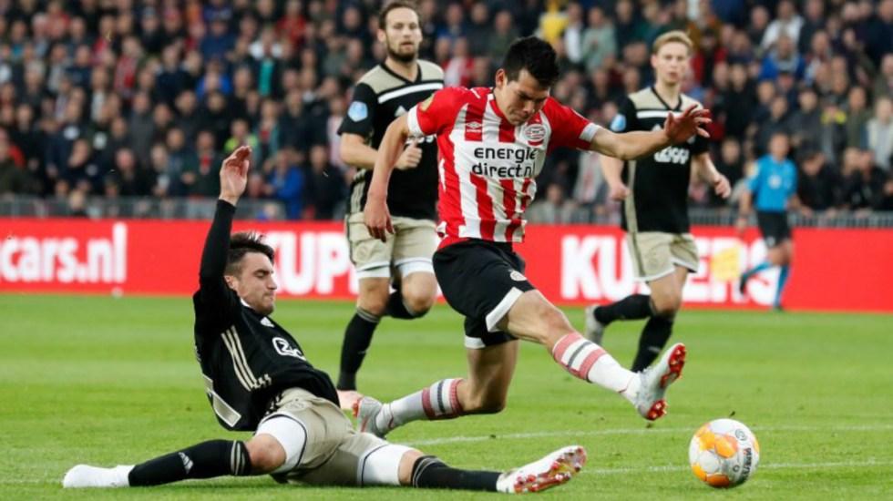 Chucky Lozano anota en partido contra el Ajax - Foto de @PSV