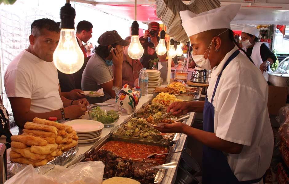 La mayoría de los mexicanos se alimentan como adolescentes - Foto de Unión Puebla
